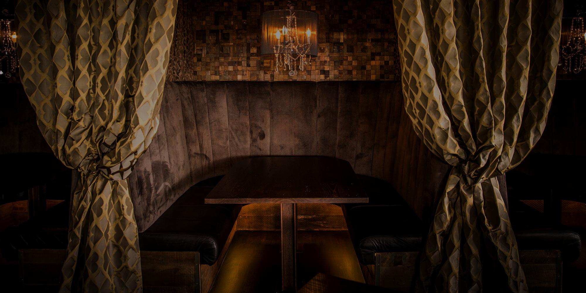 slider-booth-dark